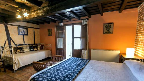 Habitación de la Casa Rural La Tramontera - Imagen de la casa rural