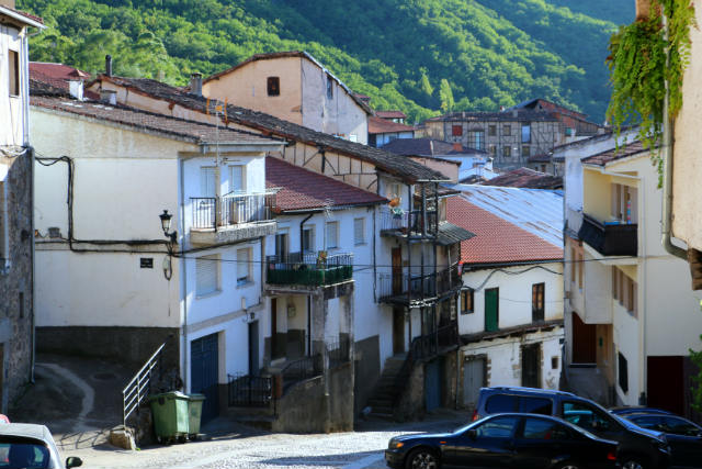 Calles de San Esteban de la Sierra - Destino Castilla y León