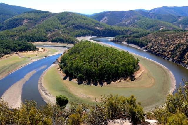 Meandro del Melero, emblema del Parque Natural de las Batuecas - Destino Castilla y León