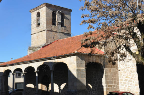 Iglesia de San Esteban de la Sierra - Imagen de la Casa Rural El Tiriñuelo