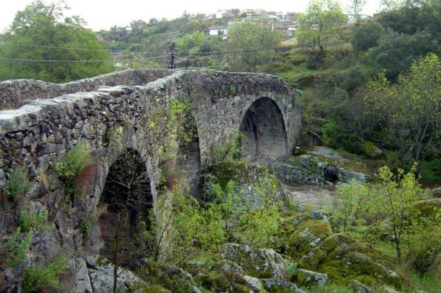 Puente románico de San Esteban de la Sierra - Imagen de Grupo Alagón