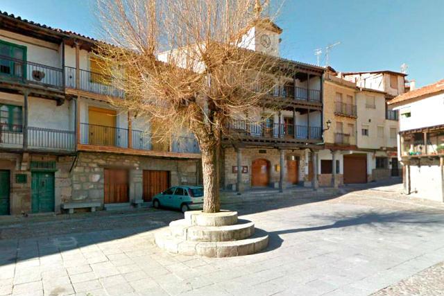 Plaza mayor de San Esteban de la Sierra - Imagen de La Tribuna de Salamanca