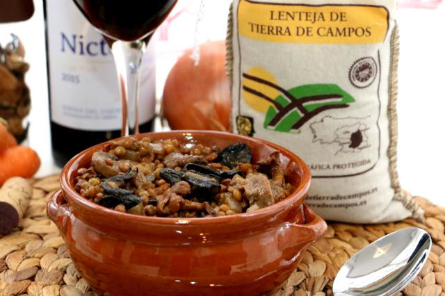 Lentejas estofadas con setas armonizado con el Nicte 2015 crianza - Destino Castilla y León