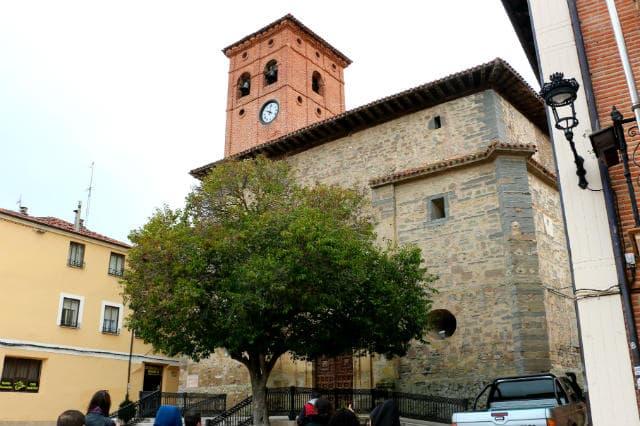 Fachada de la Iglesia de San Pedro de Belorado - Destino Castilla y León