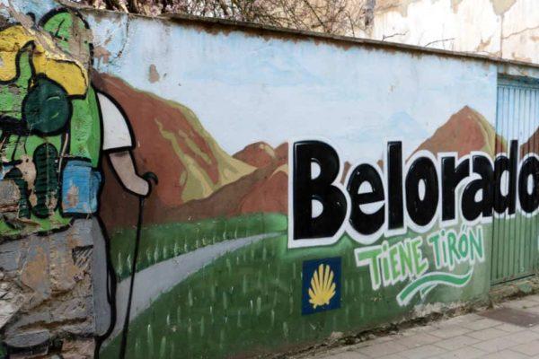 Camino de Santiago a su paso por la Calle Mayor de Belorado - Destino Castilla y León