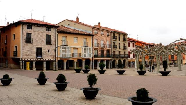 Casas de la Plaza Mayor de Belorado - Destino Castilla y León