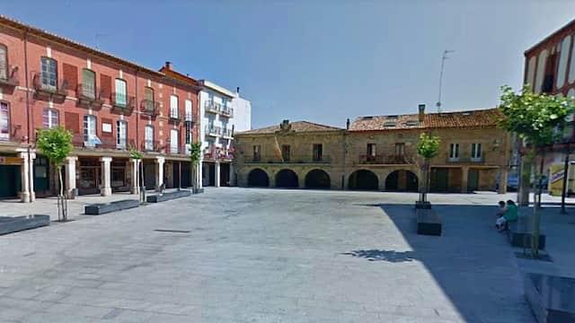 Plaza mayor de Salas de los Infantes - Destino Castilla y León