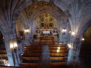 Interior de la Iglesia de Santa Cecilia - Imagen de Sala de los Infantes