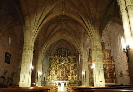 Interior de la Iglesia parroquial de Santa María Salas de los Infantes - Imagen de Salas de los Infantes