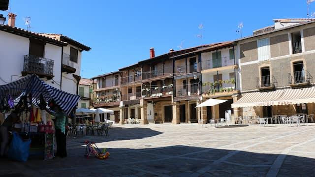 Plaza mayor de Sequeros - destino Castilla y León