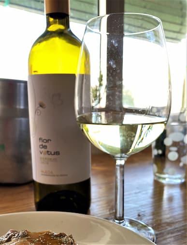 Copa de vino verdejo Flor de Vetus - Destino Castilla y León