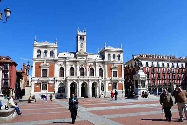 Ayuntamiento de Valladolid en la Plaza Mayor - Destino Castilla y León