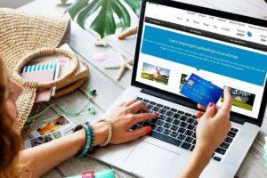 Comprar viajes por internet - Imagen banco de imágenes