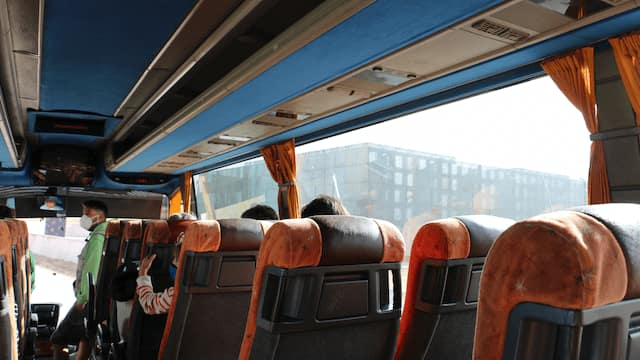 Salimos en bus al yacimiento de la Trinchera - Destino Castilla y León