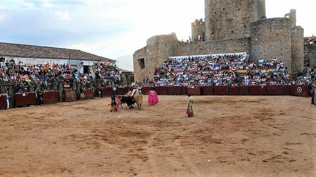 Plaza de Toros cuadrada de Miranda del Castañar - Imagen de SalamancaTV