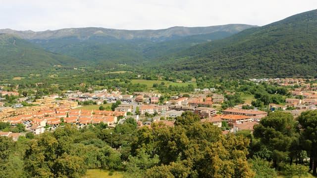 Vista del Valle del Tiétar, con la Sierra de Gredos al fondo - Destino Castilla y León