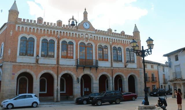 Ayuntamiento de Tiedra - Destino Castilla y León