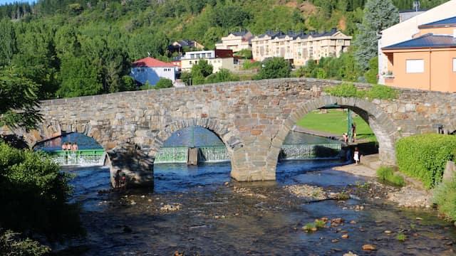 Puente romano de Vega de Espinareda - Destino Castilla y León