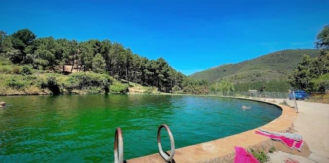 Estanque del río Palla, actualmente son piscinas - Imagen de La Gaceta de Salamanca